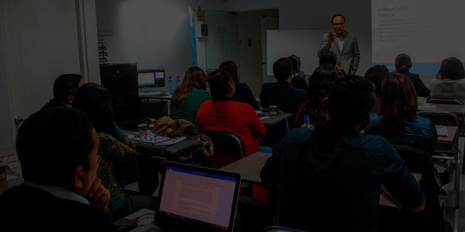 Empieza a potenciar tu talento con nuestro workshop gratuito Comunicación de Crisis